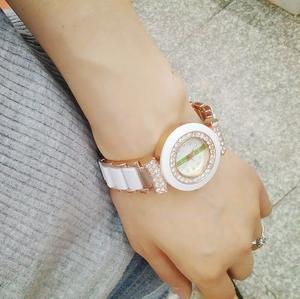 Factory direct sale Korean fashion white faux ceramic Bracelet Watch women round rose gold chain watch