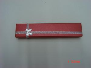 Classic case red color long chain box bracelet box