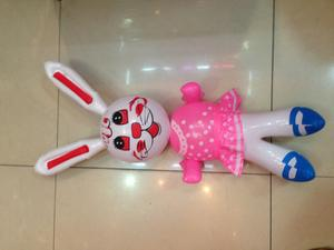 Inflatable toys, PVC material manufacturers selling cartoon rabbits with big flower