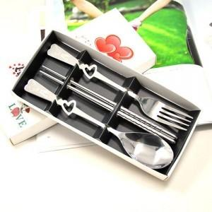 YPH gift box cutout heart shaped stainless steel cutlery set of three (the chopsticks-Fork Spoon)