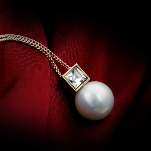 New Korean version of the upscale Pearl Jewelry Crystal Necklace short Christmas gifts