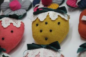 Hand-sewing accessories knitted fabric large strawberries