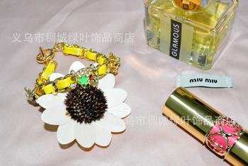 Japanese and Korean bracelets brightly colored leather strap oil dripping diamond-encrusted skull bracelet