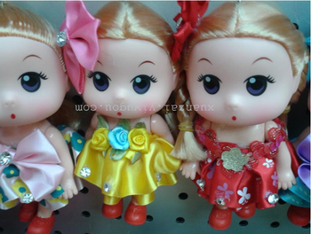 Manufacturers selling big confused doll with a bow hanging key buckle