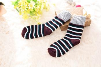 Manufacturers supply the new 2014 Winter thick warm striped socks for children. 0886