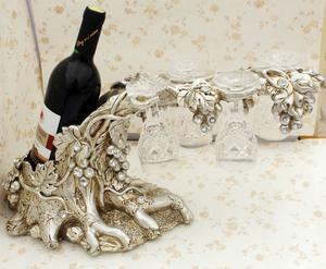 Resin crafts European style wine rack grape decoration wedding gifts home accessories sent four Crystal glasses
