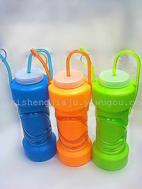 Dinosaur straws pots made of high quality plastic material, creative fashion styling, user-friendly design, with straw wrapped around the pot, and end of straw a deep pot, can easily absorb the entire liquid in the kettle, and the other end is higher than the pot, makes it easier for mouth, inhaling pot dishes. Spout with a dustproof cover, environmental health. The pot itself has a recessed design, eyedropper embedded pot, feels very comfortable in hand, to be used in bars, restaurants, parties, celebrations, festivals, or printing customer's logo as a gift to clients or friends and family. <img src=