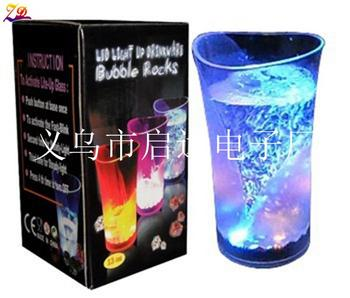 Pour water on originality water sensing light flashing cups, vases of water, LED glow cups, party glasses