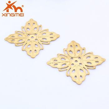 Yiwu jewelry DIY accessories flowers XH00307 brass holes in a hollow square plane color