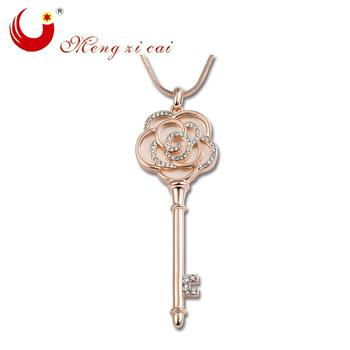 The new sweater chain necklace diamond key long section of Europe and the big exaggerated Necklace