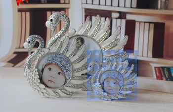 HL0996 cartoon CygNET metal mini photo frame baby big head picture frames for children and creative photo frames